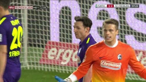 Alexander Schwolow - Greuther Fürth v SC Freiburg 7