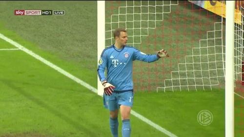Manuel Neuer - Bayern v Bremen (DFB Pokal) 3