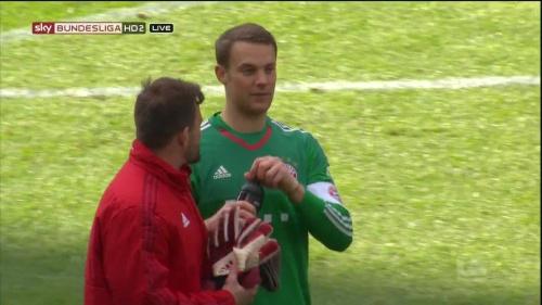 Manuel Neuer – Hertha v Bayern 10
