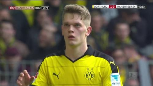 Matthias Ginter – Dortmund v HSV 9
