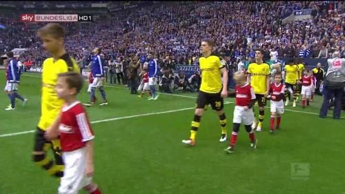 Matthias Ginter – Schalke v Dortmund 1