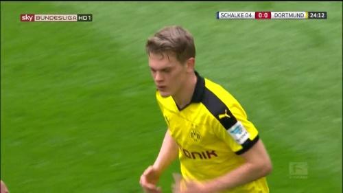 Matthias Ginter – Schalke v Dortmund 3
