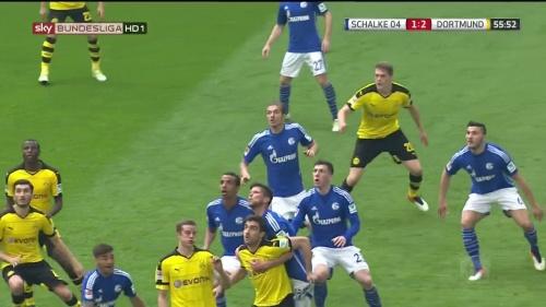 Matthias Ginter – Schalke v Dortmund 5