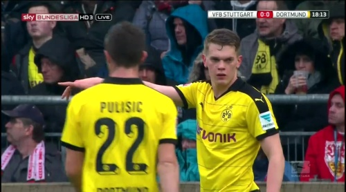 Matthias Ginter – Stuttgart v Dortmund 5