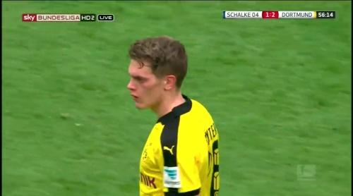 Matthias Ginter - Schalke v Dortmund 3