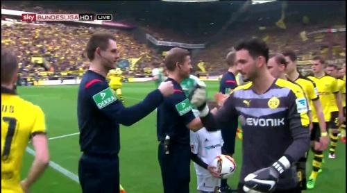 Roman Bürki - Dortmund v Bremen 1