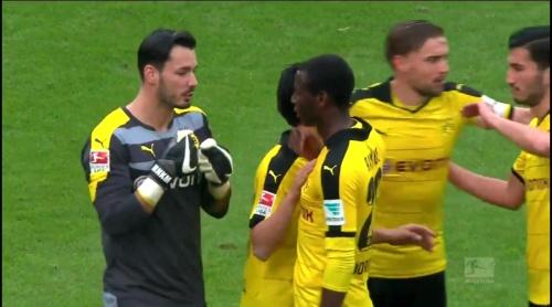 Roman Bürki – Stuttgart v Dortmund 6