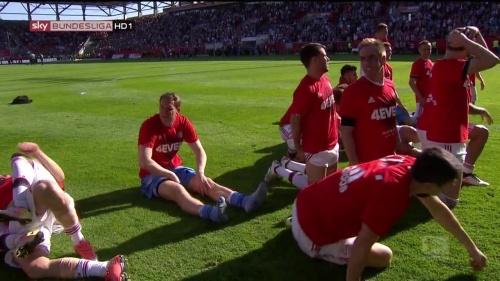 Bayern Munich – Bundesliga Meister 2015-16 – Manuel Neuer 1