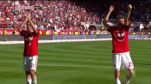 Bayern Munich – Bundesliga Meister 2015-16 – Philipp Lahm & Thomas Müller 2