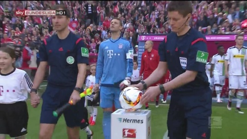 Manuel Neuer – Bayern v Gladbach 1