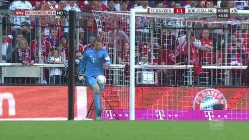 Manuel Neuer – Bayern v Gladbach 12