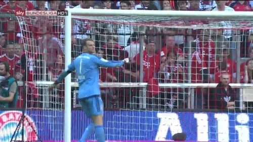 Manuel Neuer – Bayern v Gladbach 13