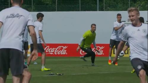 Manuel Neuer - Vormittagstraining 26-05-16 1