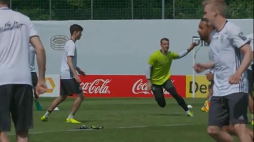 Manuel Neuer - Vormittagstraining 26-05-16 2