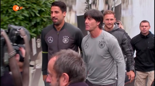 Sami Khedira & Joachim Löw ZDF heute 31-05-16 1