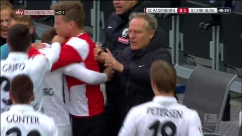 SC Freiburg celebrate Frantz goal against Paderborn 1
