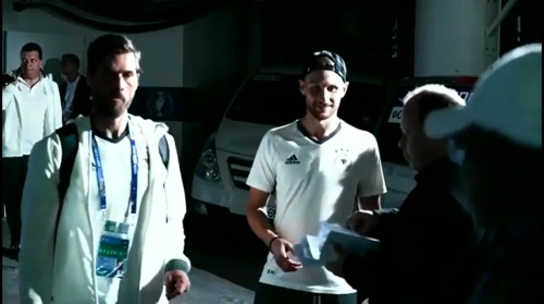 Benedikt Höwedes - Als Gruppensieger zurück nach Evian