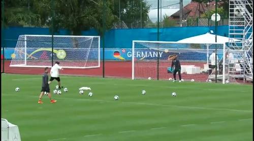 Joachim Löw & Bastian Schweinsteiger – ARD video 15-06-16