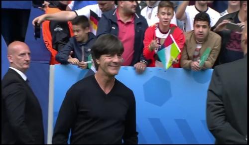 Joachim Löw - Deutschland v Slowakei 1st half (EM 2016) 4