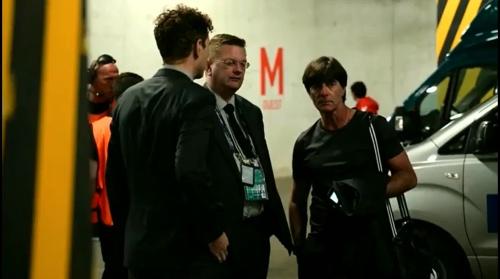 Joachim Löw - Die Mannschaft zurück in Evian 3