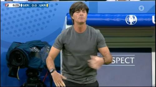 Joachim Löw – Deutschland v Ukraine (EM 2016) 1st half 14