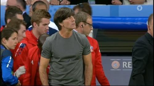 Joachim Löw – Deutschland v Ukraine (EM 2016) 1st half 9