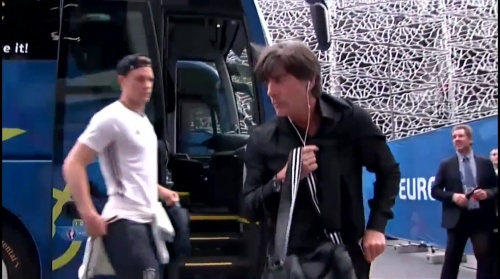 Joachim Löw – Nordirland v Deutschland 1st half (EM 2016) 2