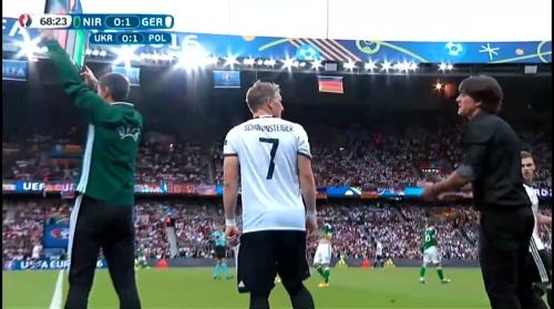 Joachim Löw – Nordirland v Deutschland 2nd half (EM 2016) 6