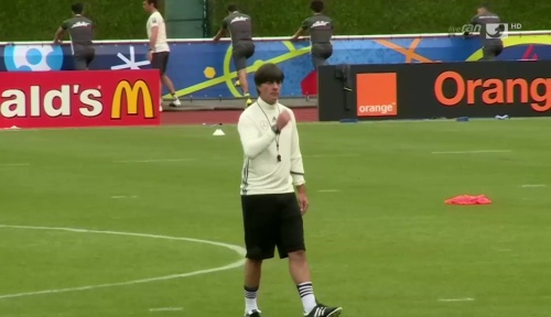 Joachim Löw – ran video 10-06-16 1
