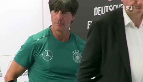 Joachim Löw – ran video 10-06-16 5