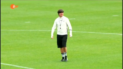 Joachim Löw – ZDF video 10-06-16 4