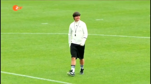 Joachim Löw – ZDF video 10-06-16 5