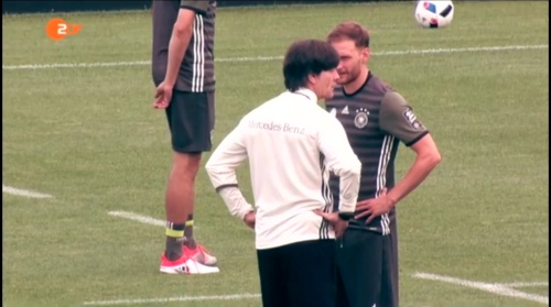 Joachim Löw – ZDF video 10-06-16 7