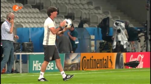 Joachim Löw – ZDF video 11-06-16 4