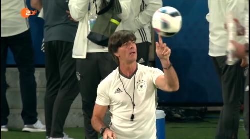 Joachim Löw – ZDF video 11-06-16 6