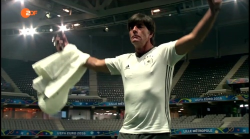 Joachim Löw – ZDF video 11-06-16 7