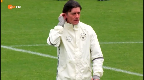 Joachim Löw – ZDF video 19-06-16 5