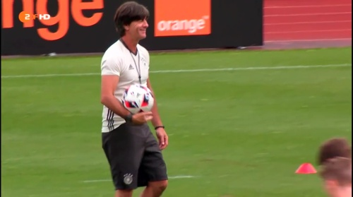 Joachim Löw – ZDF video 25-06-16 11