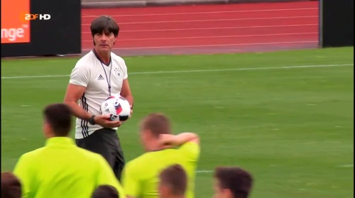 Joachim Löw – ZDF video 25-06-16 13