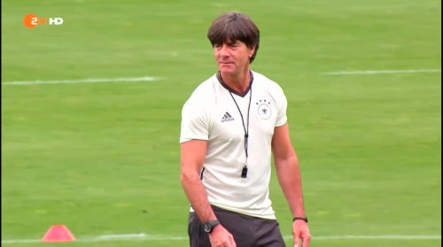 Joachim Löw – ZDF video 25-06-16 9