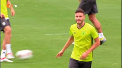 Jonas Hector – ZDF video 25-06-16 2