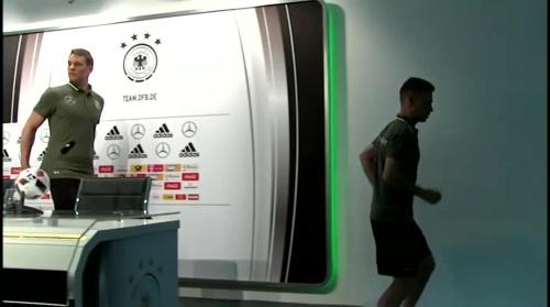 Manuel Neuer – PK 24-06-16 11