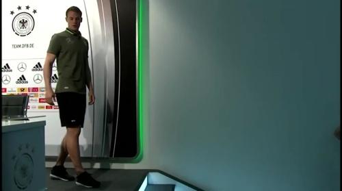 Manuel Neuer – PK 24-06-16 12