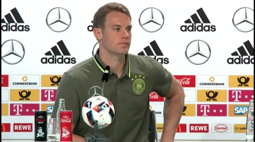 Manuel Neuer – PK 24-06-16 7