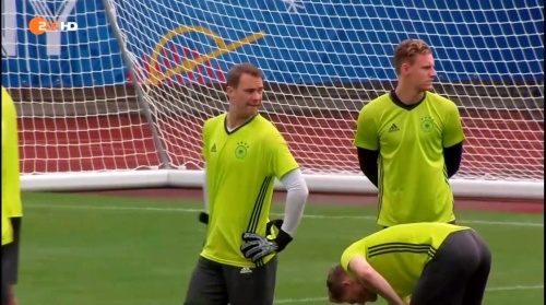 Manuel Neuer – ZDF video 25-06-16 1