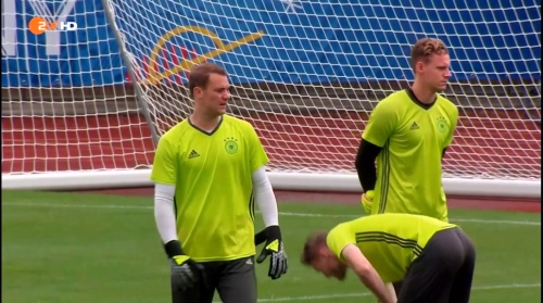 Manuel Neuer – ZDF video 25-06-16 2