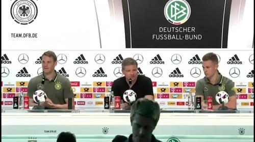 Manuel Neuer & Joshua Kimmich – PK 24-06-16 2