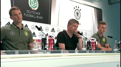Manuel Neuer & Joshua Kimmich – PK 24-06-16 4