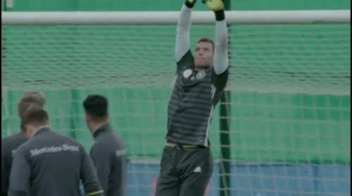 Manuel Neuer - Letztes Training in Evian vor dem zweiten Spiel 4