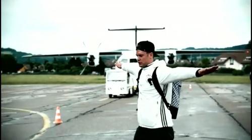 Manuel Neuer - Vor Slowakei Spiel - Anreise nach Lille 2